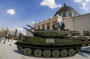 Мэр Москвы Сергей Собянин открыл выставку современной военной техники на ВДНХ