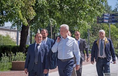 Сергей Собянин посетил обновленную Калужскую площадь
