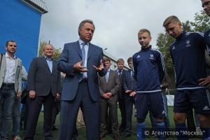 Виталий Мутко ознакомился с тренировочным процессом юных футболистов