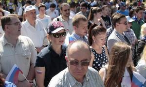 Гимн России на Поклонной горе исполнили 3 тысячи московских единороссов
