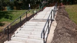 В районе Чертаново Северное отремонтировали лестницу