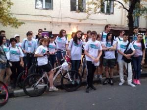 Руководитель молодежного общества «ЭГИДА» Николай Лунченков: «Идея велопробега ?Спорт против ВИЧ? в том, чтобы совместить приятное времяпровождение с полезным делом, а также напомнить всем о страшной проблеме»