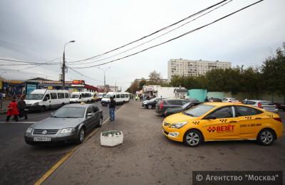 Москвичам помогут оплачивать парковку в новой зоне инспекторы АМПП