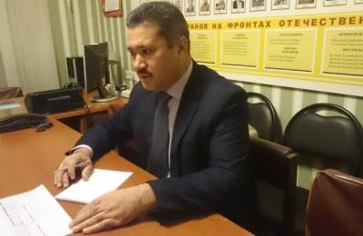 Депутат муниципального округа Чертаново Северное Назиржон Абдуганиев поздравил жительниц района с 8 марта