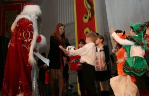 Благотворительная новогодняя акция «Исполни желание» началась в Москве
