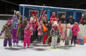 Для жителей района Чертаново Северное провели ледовую дискотеку