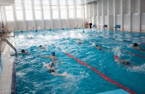 Для жителей района Чертаново Северное функционируют два крытых плавательных бассейна