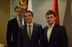 Алексей Лукоянов (на фото справа) подвел промежуточные итоги работы молодежной палаты района Чертаново Северное