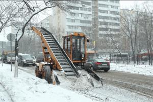 Из-за обильных осадков коммунальщики района Чертаново Северное работают в интенсивном режиме