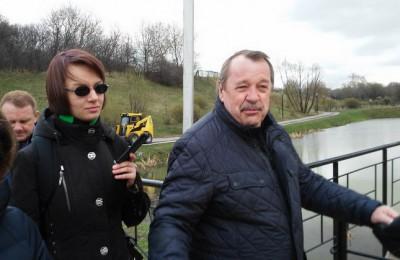 Префект Южного округа Алексей Челышев принял участие в общегородском субботнике на территории Покровского парка