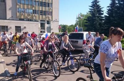 Акция «Велопробегом поздравим ветеранов!» прошла на территории района Чертаново Северное