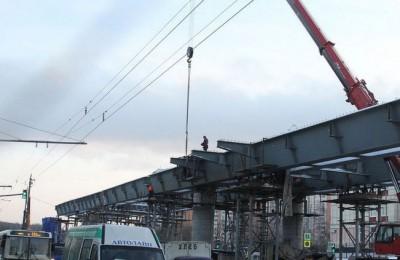 Эстакаду через железную дорогу построили у платформы Нижние Котлы