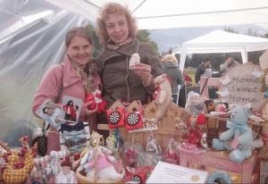 Сувениры ручной работы можно купить в парке Садовники