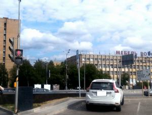 Отремонтированный светофор напротив дома 138А на дублере Варшавки