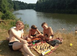 Юные чертановские шахматисты на отдыхе в интеллектуальном лагере «Восточный»