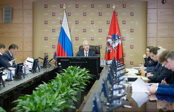 Правительство Москвы поддержало инициативуЕР опродлении срока действия резидентных разрешений