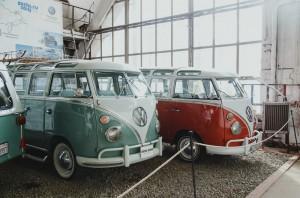 """В музее """"Московский транспорт"""" выставлены уникальные и раритеные модели авто"""
