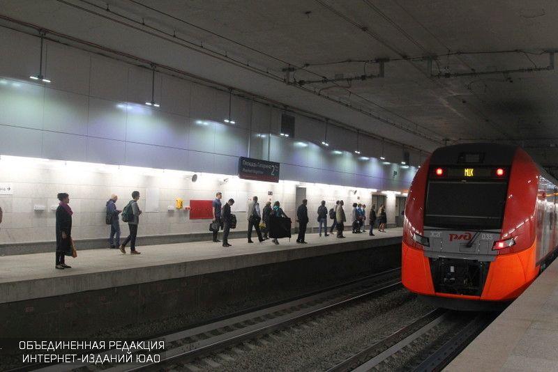 Первые реверсивные турникеты появились на 2-х станциях Московского центрального кольца