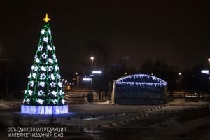 """Главная площадь в парке """"Садовники"""""""
