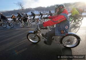 Второй зимний велопарад прошел в Москве