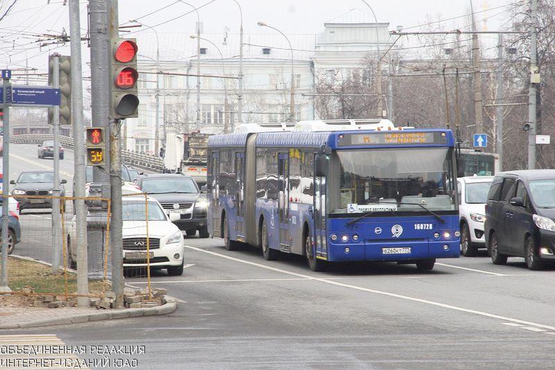 Полуэкспрессными маршрутами автобусов в столице России  пользуются ежедневно порядка 125 тыс.  человек