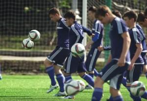 Футболисты района