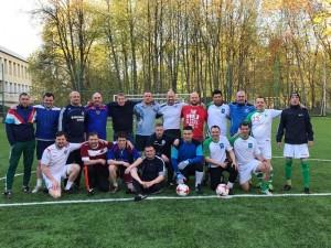 Выпускники местной футбольной школы встретились на традиционной игре
