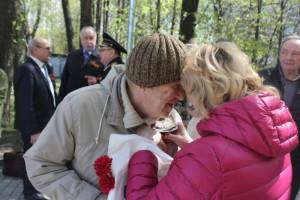 """Волонтеры из колледжа №34 в мае провели акцию """"Георгиевская ленточка"""""""