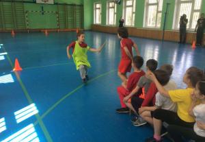 Ребята на спортивном мероприятии образовательной летней смены