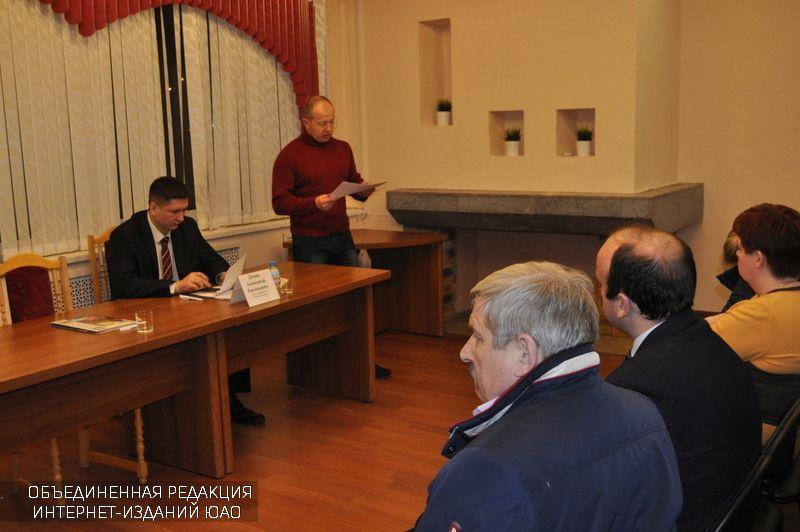 Дмитрий Краснов на встрече главы управы с жителями