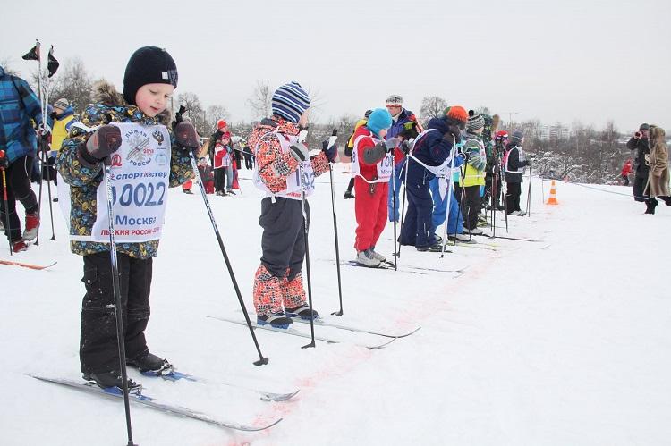 Юные лыжники ЮАО на старте