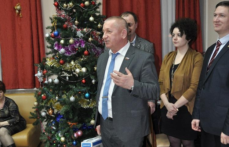 Депутат Александр Тозик активно сотрудничает с районным обществом инвалидов