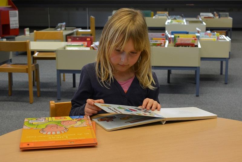 ребенок, девочка, книга, игра, чтение, пиксибей, 1510